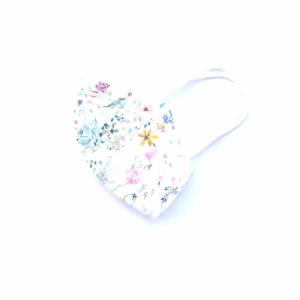 mascarilla blanca flores
